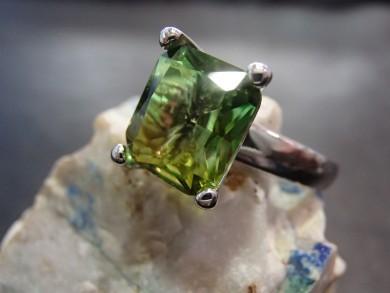 сребърен пръстен с хризолит