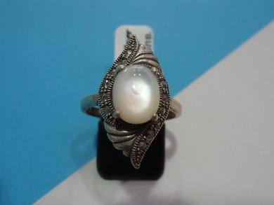 Сребърен пръстен със седеф и марказити
