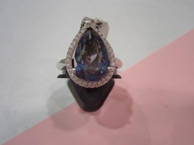 Сребърен пръстен с топаз мистик