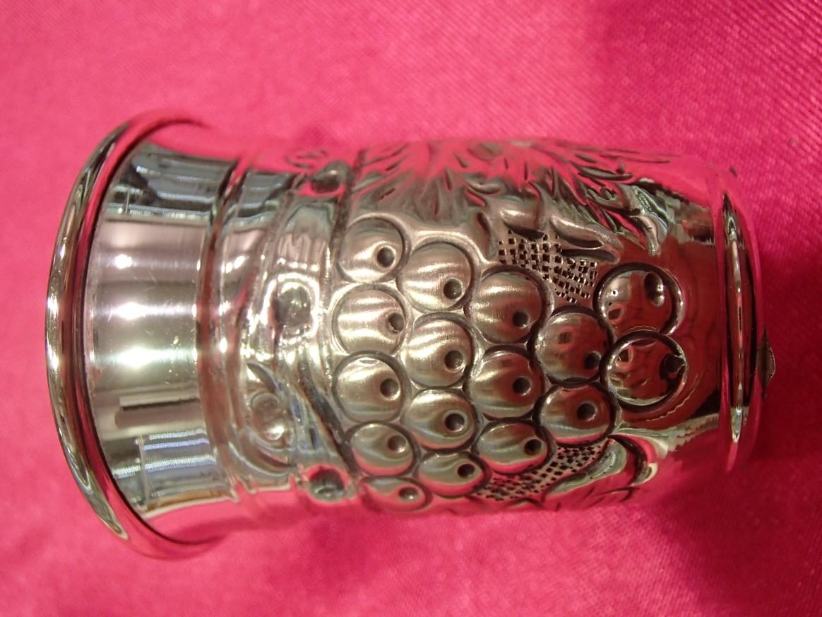 сребърна чаша