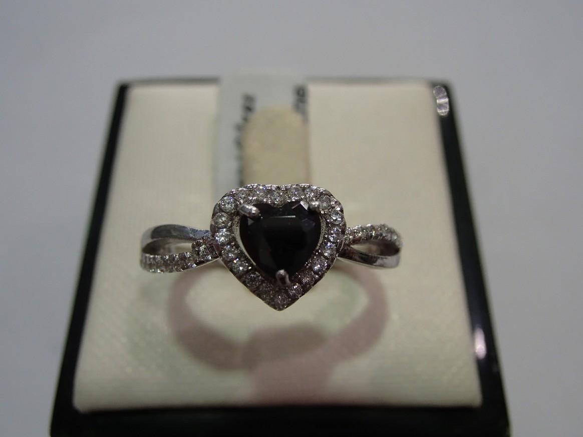 Сребърен пръстен с оникс и циркон