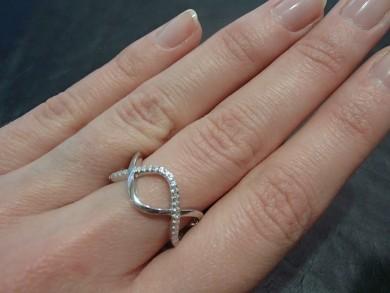 Сребърен пръстен с циркон халка
