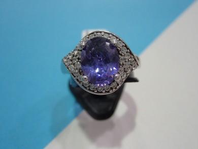 Сребърен пръстен с  аметист  и циркони