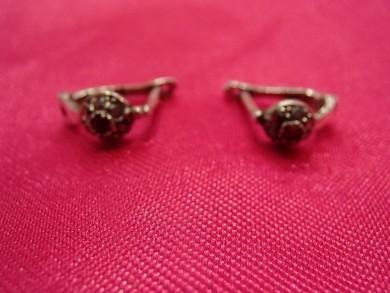 Сребърни обеци с рубин и марказити