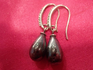 Сребърни обеци с черни перли