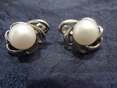 Сребърни обеци с перли