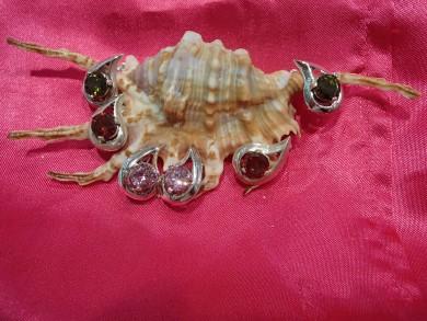 сребърни обецин с хризолит ,гранат и розов цирко