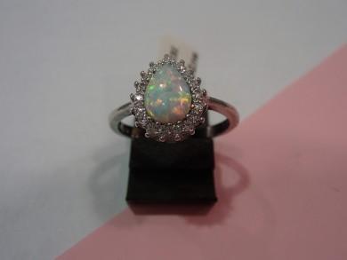 Сребърен пръстен с опал и циркони