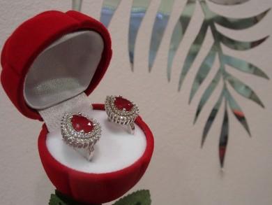 Сребърни обеци с рубин и циркони